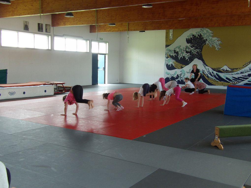 Enfants. Gymnastique enfant.
