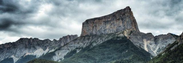 Le mont Aiguille. Massif du Vercors
