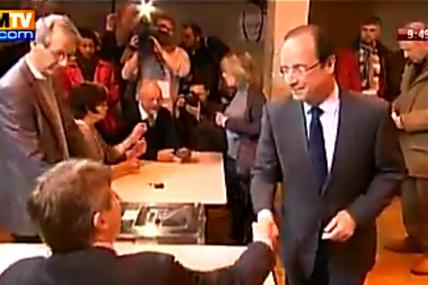Sondage : Hollande au plus bas, Sarkozy continue sa progression