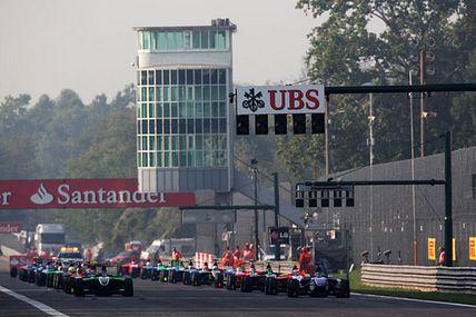 La GP3 presenta el calendario 2013 Día de presentación de calendarios para los teloneros de la Fórmula 1, y sipor la mañana era la…View Postshared via WordPress.com