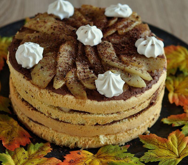 Layer cake d'automne, poire chocolat et sirop de safran