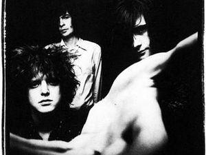 loop, un groupe de rock psychédélique anglais fondé par robert hampson et sa femme de 1986 à 1991