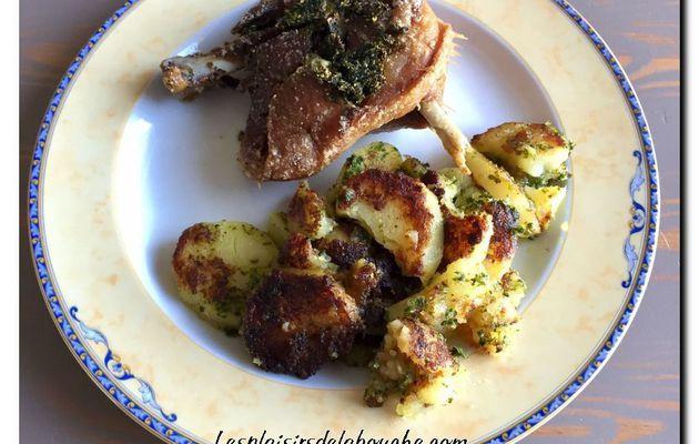 Cuisse de canard confite et pommes de terre Sarladaise. (Recette rapide)