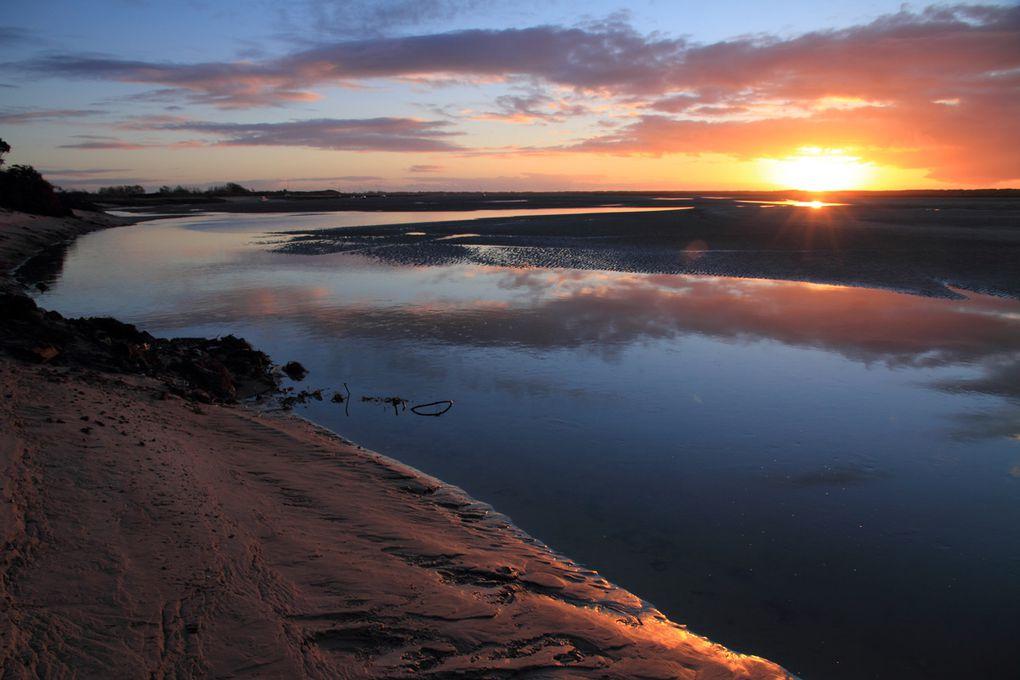 coucher de soleil sur le site protégé du Havre de la Vanlée à à Bricqueville (50)