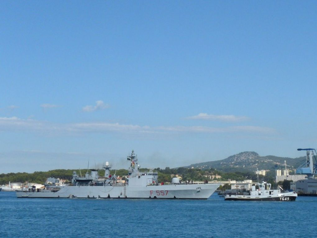 FENICE  F557 , Frégate de la marine Italienne