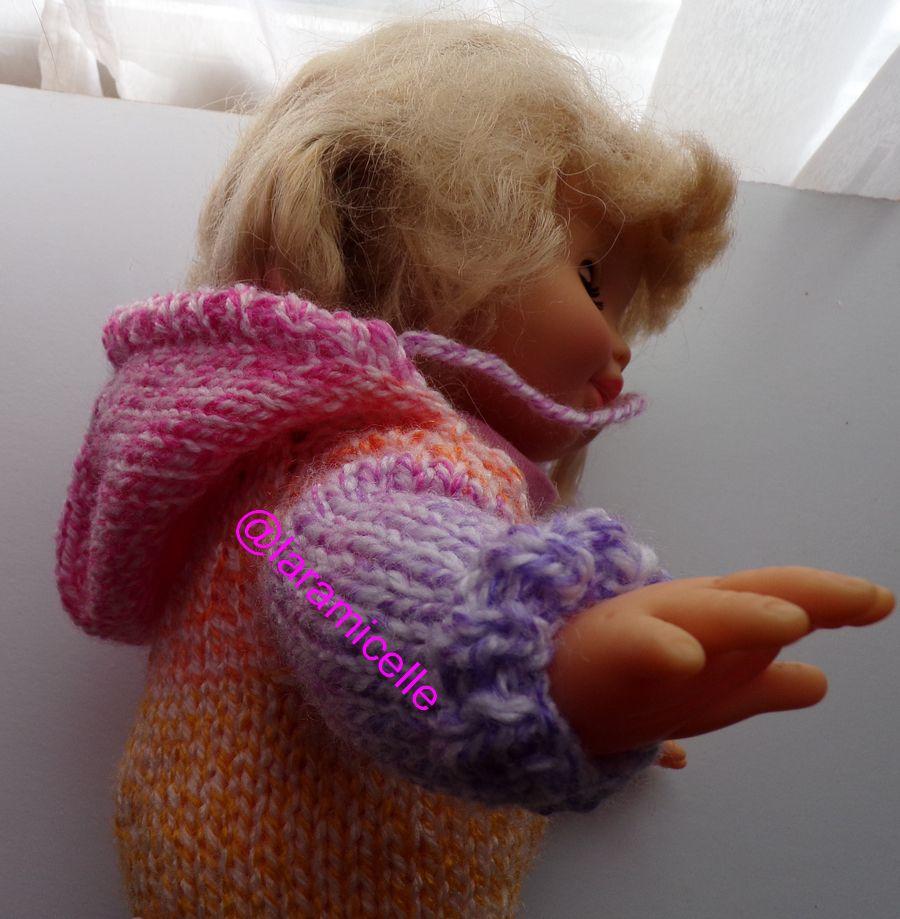 tuto gratuit poupée  : combinaison intégrale arc en ciel