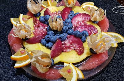Joli plateau de fruits