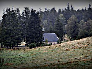 vue sur la chapelle du cimetière