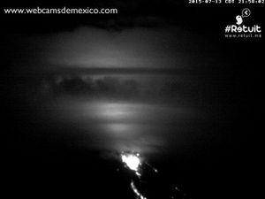 Colima - incandescence nocturne le 13.07.2015, à 21h19, 21h58 et 22h02 - photos webcamsdeMexico