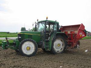 Tracteur pour la pomme de terre Charmeuse Diadème