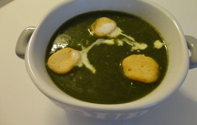 Soupe aux épinards, poireaux et pommes de terre