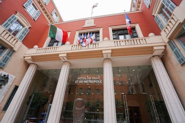 """La Ville de Nice hisse le drapeau italien pour célébrer le 75e anniversaire de la """"Festa della Repubblica"""""""