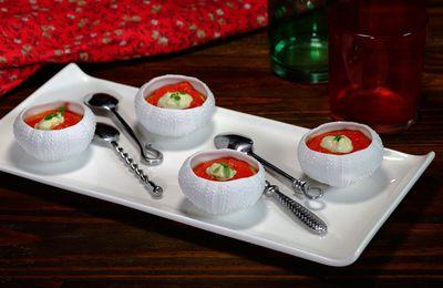 Apéritif : coulis de poivrons rouge et crème de basilic à l'huile d'olive