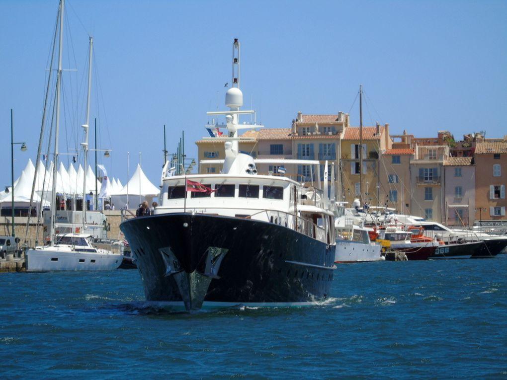 SANTA MARIA , à quai et appareillant du port de Saint Tropez le 07 juin 2017