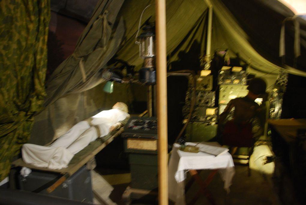 crédit photos : Alain .CHAUSSADE - L'intérieur du Musée, Le Stug de Georges Millarec ( reconstitution) le bren et son équipage US d'active, 105 HM 2 et démonstration de tir au mortier pour l'US Army