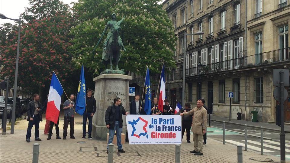 Le Parti de la France honore Jeanne d'Arc à Bordeaux