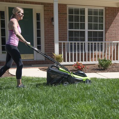 4 Benefits of Doing Your Own Lawn Care