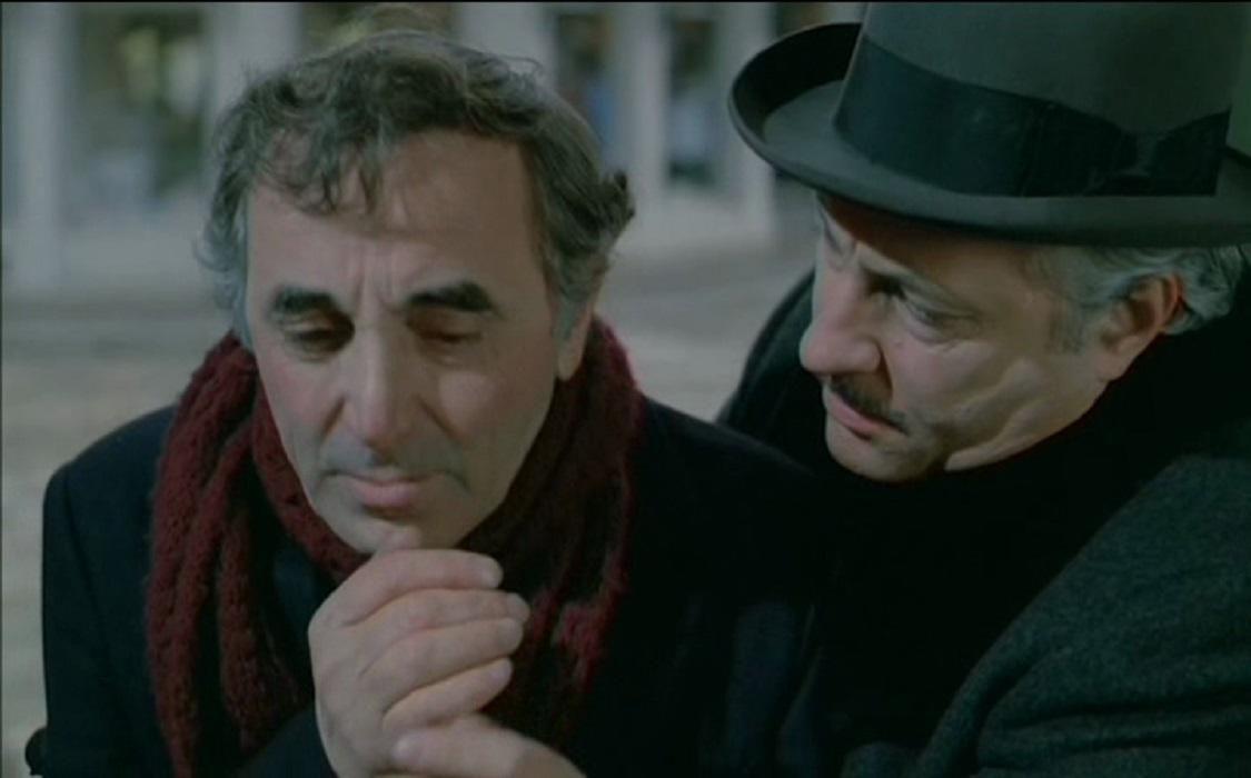 Immense Mr. Michel Serrault dans son rôle du chapelier.