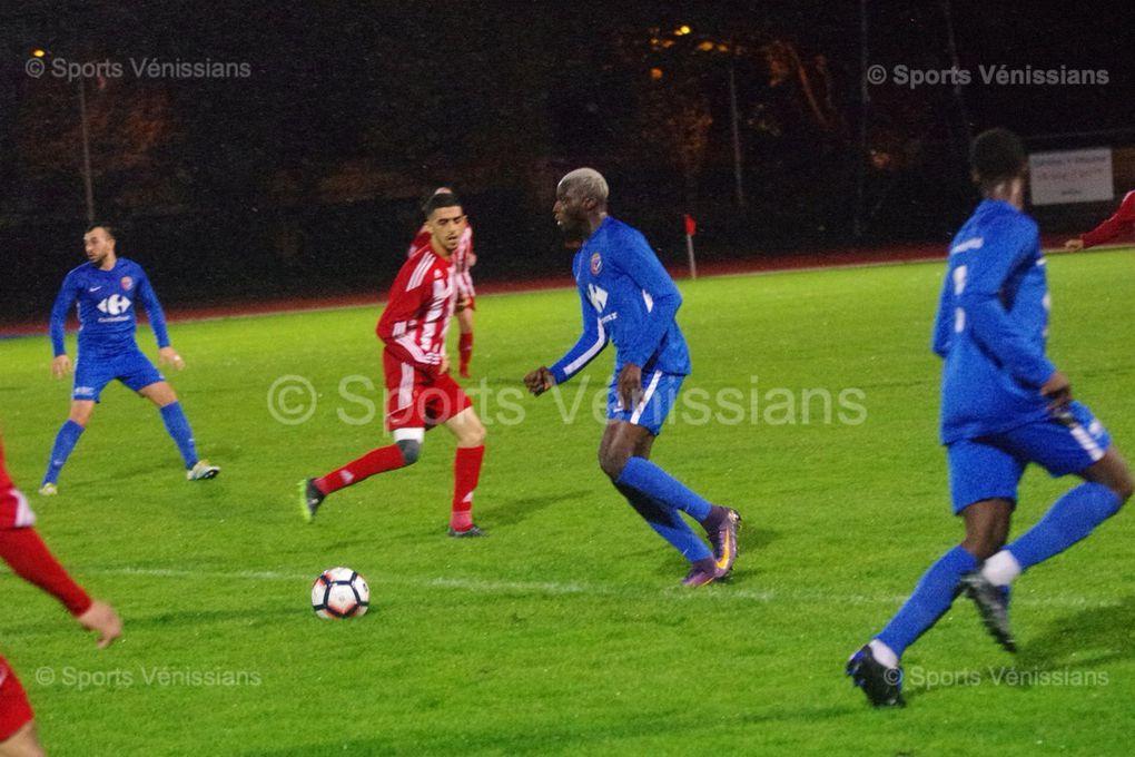 L'équipe fanion de Vénissieux FC reste leader de la poule D de Régionale 2 AURA