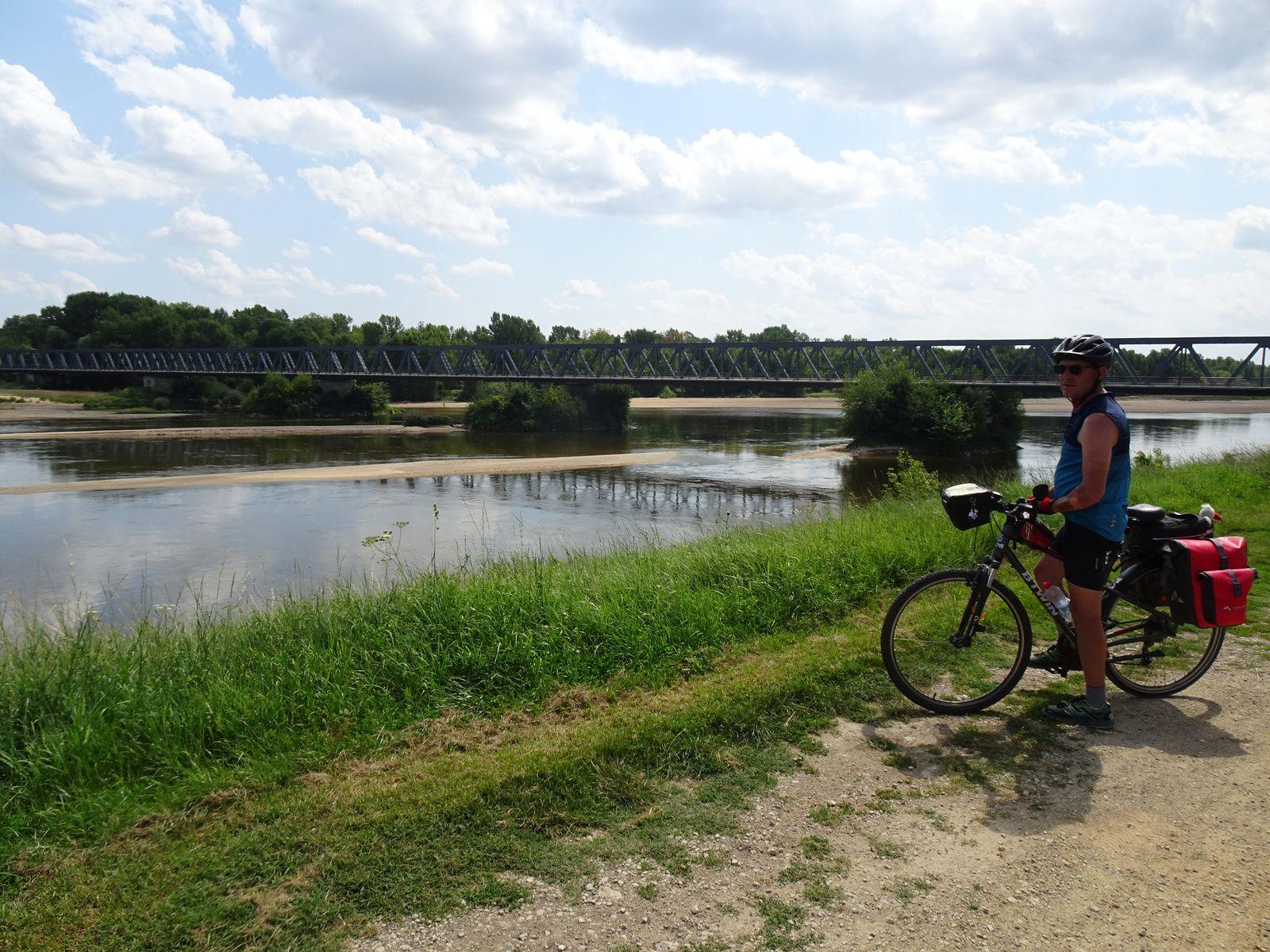 Le Centre-Val de Loire à vélo : Etape 6 -  Sancoins / La Charité-sur-Loire - 54,4 km