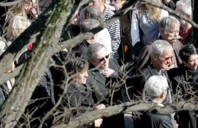 Michel Drucker rend hommage à Jean Ferrat (2)