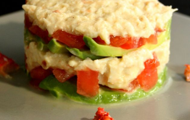 Millefeuille au crabe, avocat et tomate