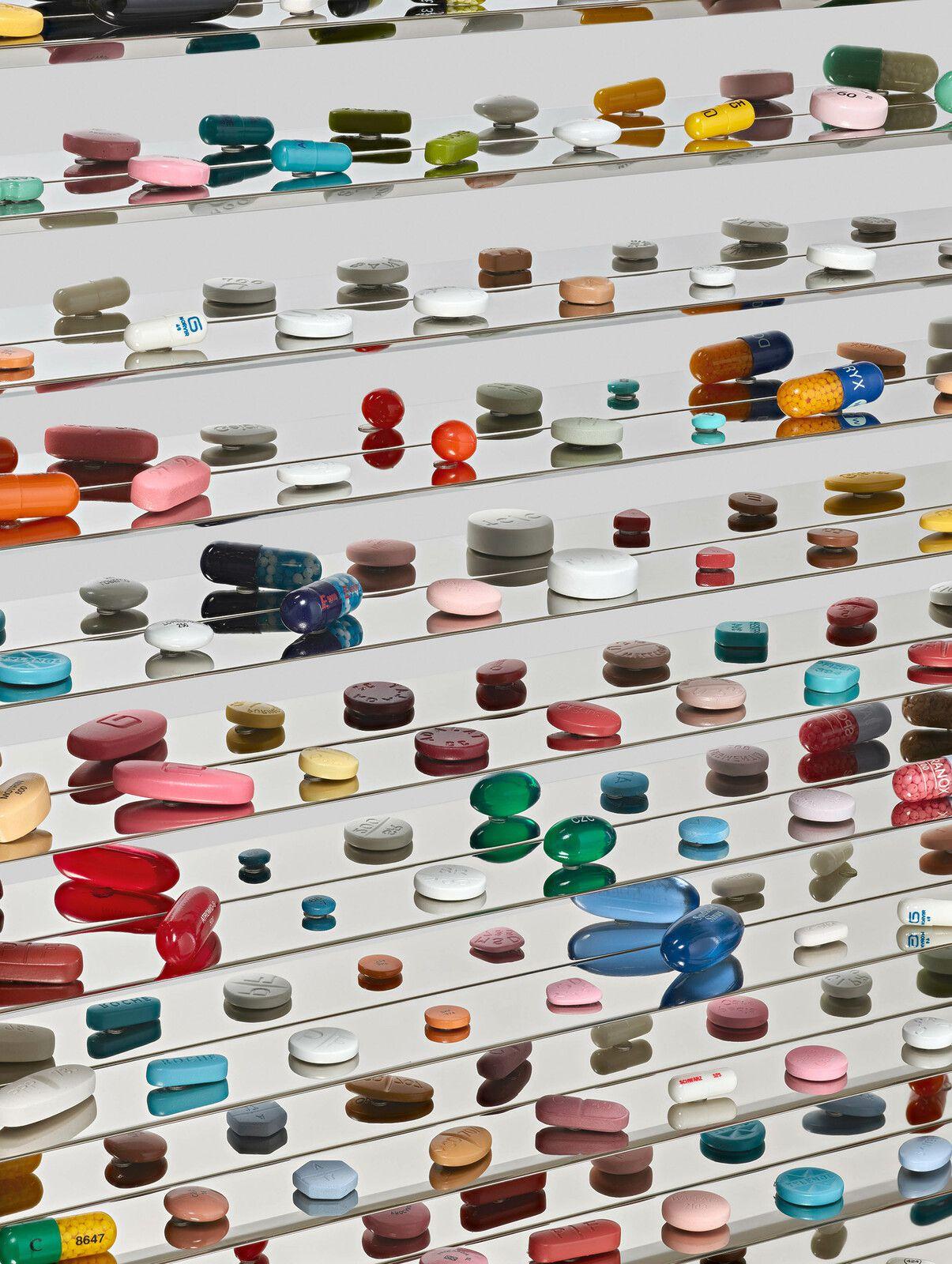 """Détail """"The Emptiness below us"""", 2006 de Damien HIRST - Courtesy de l'artiste et de la Galery Gagosian Paris © Photo Éric Simon"""