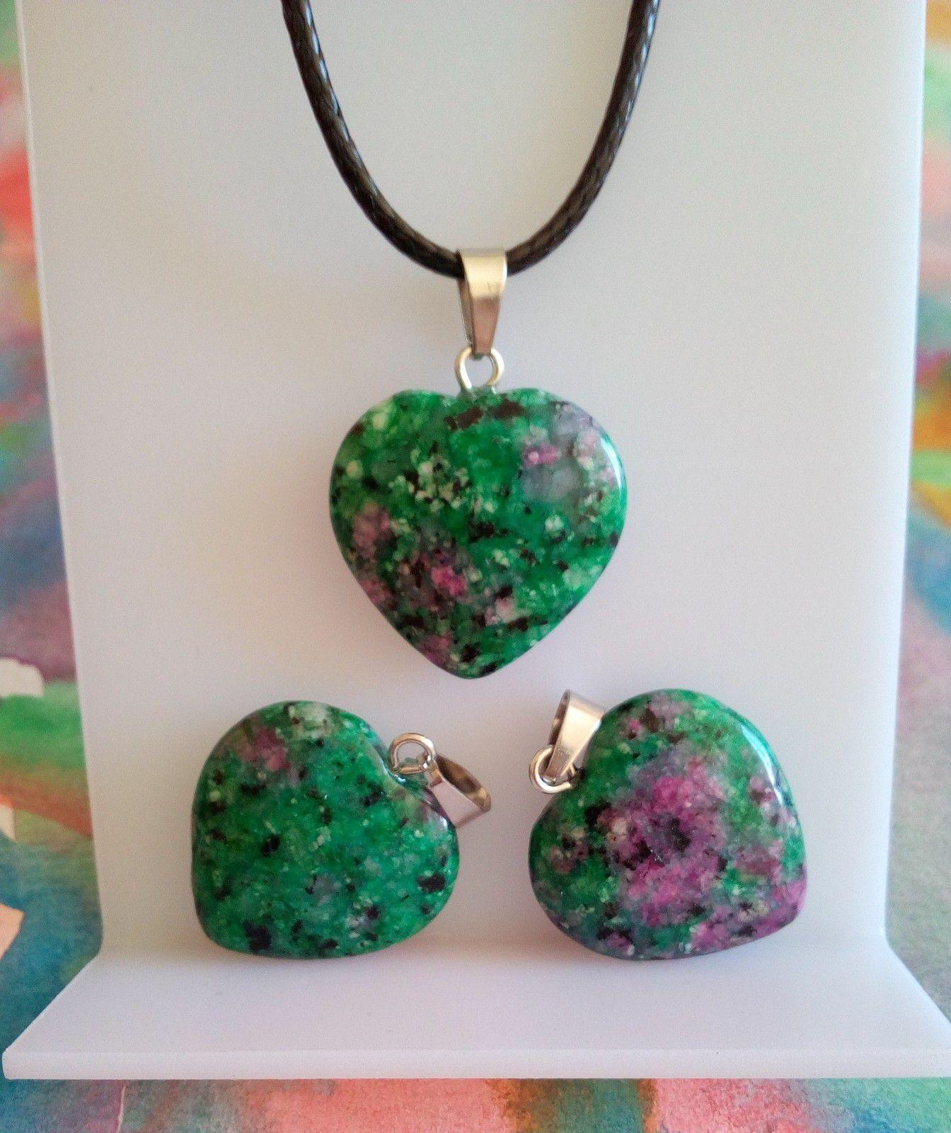 pendentif coeur en rubis zoisite,pierre precieuse vert rose,avec belière en acier inoxydable et cordon de coton ciré noir,fermoir mousqueton
