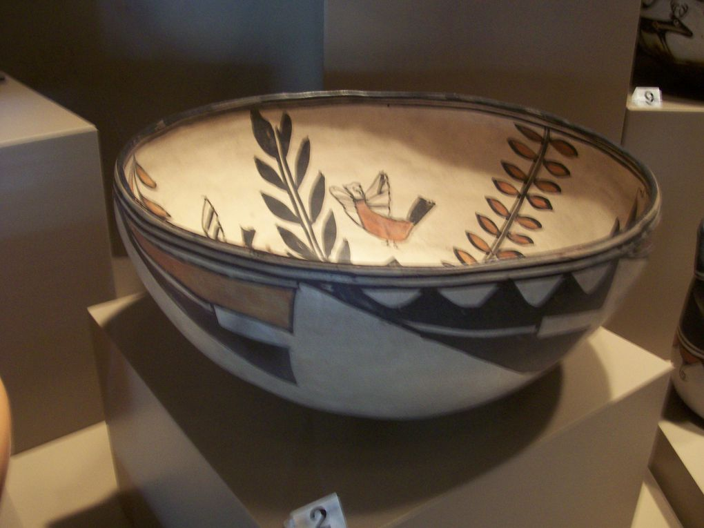 Quelques exempoles du savoir-faire des Indiens dans le domaine de l'artisanat : poterie, vannerie, tissage...