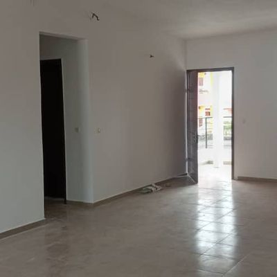 LOCATION APPARTEMENT 5 Pièces, Route de Bingerville au Carrefour Syndicat