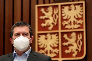 Prague menace d'expulser tous les diplomates russes
