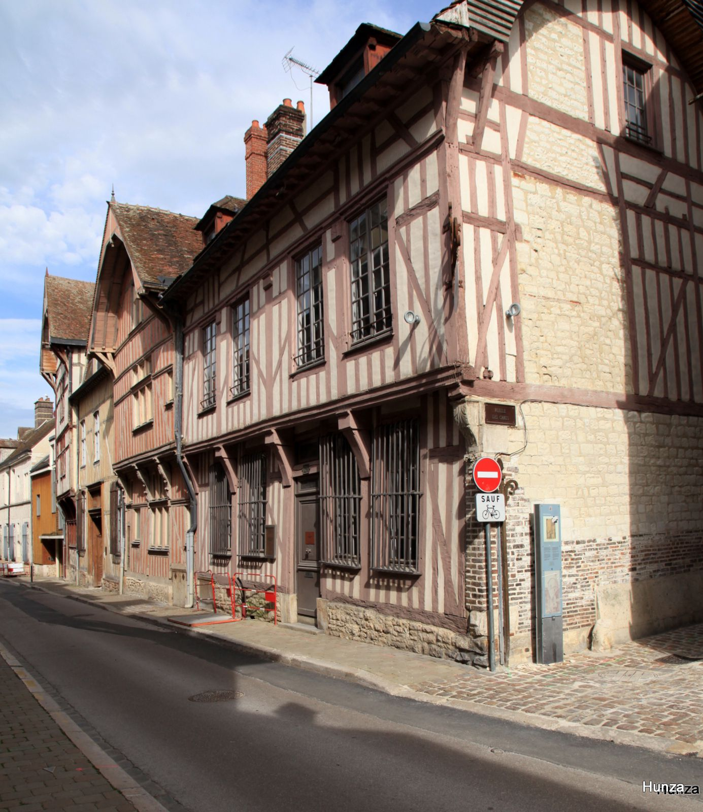 Troyes, rue Charbonnet