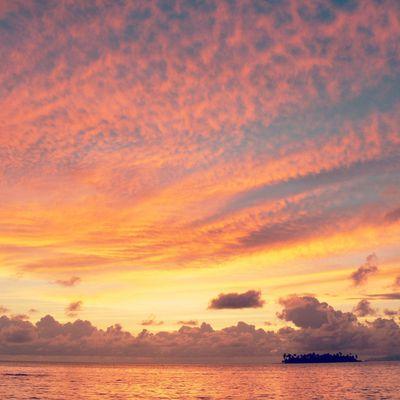 Lever du soleil à Raiatea