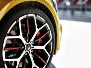 Mégane 4 RS Trophy : Enfin 300 chevaux