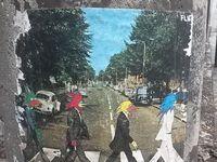 """Les pochettes des albums """"Abbey Road"""" et """"Hey Jude"""" détournées par Futur Lasor Now."""