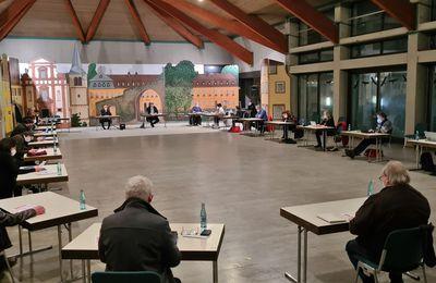 Gemeinderatssitzung per Videoschalte eröffnet ein Gesetzentwurf im Bayerischen Landtag