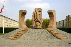 Condamnation pour des saluts nazis devant le Mémorial de la Shoah à Drancy
