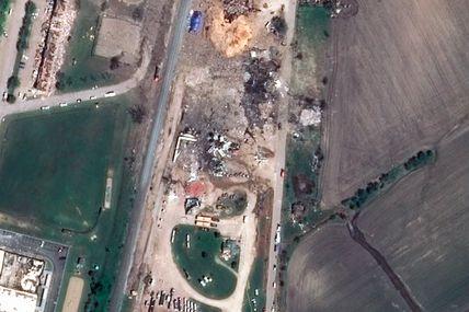 Explosion de l'usine d'engrais de West au Texas : les dégâts vus par le satellite Pléiades