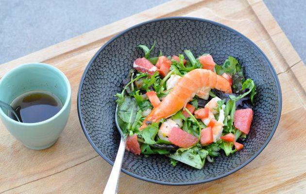 Salade de pamplemousse, saumon fumé, crevettes et coriandre