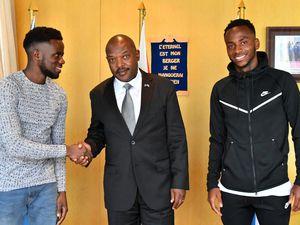 Le Chef de l'État s'est entretenu avec deux footballeurs professionnels évoluant à l'international