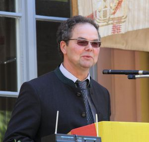 Mehr als 200 Feldgeschworene feierten ihren Siebener-Ehrentag in Veitshöchheim - Ausstellung noch bis 19.5.
