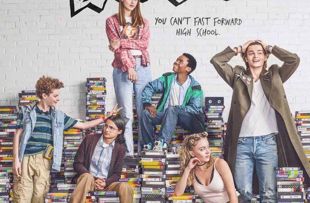 Everything Sucks (Saison 1, 10 épisodes) : ... même la vie dans les années 90