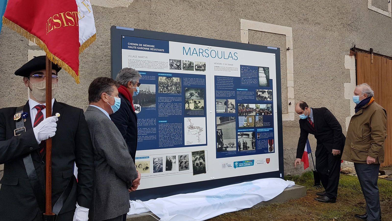 Marsoulas - un panneau pédagogique implanté par le Conseil Départemental devant le monument aux Martyrs