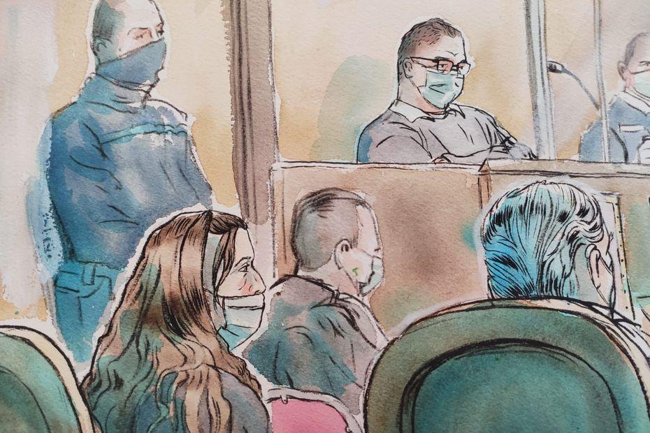 A l'arrière-plan, Rémi Chesne dans le box des accusés au procès de l'assassinat de la grotte sanglante de Sète • © Valentin Pasquier, France 3 Occitanie