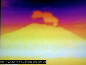 Plume of the Agung on 14.11.2017 - thermal image 22h36 - doc. Magma Indonesia