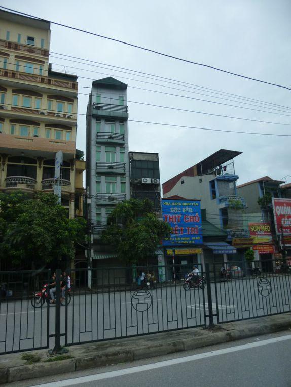 1ere partie de notre voyage au Viêt-Nam avec notre guide Minh.