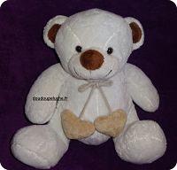 Doudou ours Aubert, avec deux coeurs Love Bear, blanc cassé marron, www.doudoupeluche.fr