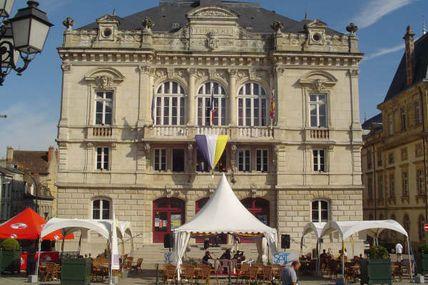 Quartier centre ville : le théâtre.
