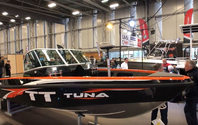 UMS 585TT - un bass boat full aluminium, made in Ukraine, à 24500E ttc