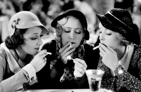 THREE ON A MATCH (Une Allumette pour trois) – Mervyn LeRoy (1932) – Joan Blondell, Ann Dvorak, Bette Davis, Warren William, Humphrey Bogart